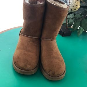 UGG Tan Suede Calf Winter Boots. Sz 8